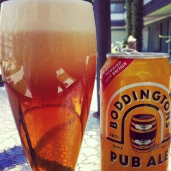 fixedgearplus:  #boddingtons #pub #ale