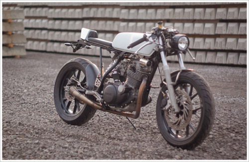 There are a quite few custom Yamaha SR250's but this is comfortably the best I've seen. We are about to release pics (when we take them!) of our very different SR250 brat.