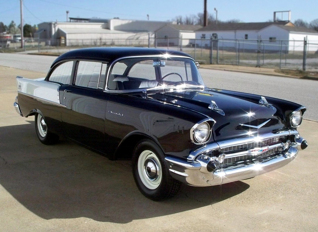 Black Widow… '57 150 fuel injected two door post