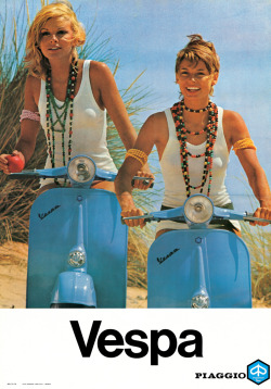Scooter Girls (via 70's NOSTALGIA: Flotte Mädels)