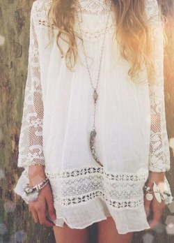 lace boho bohemian accessories white dress summer dress boho fashion white lace summer fashion spring fashion boho chic summer style bohemian style lace dress boho style hippie chic spring style bohemian girl spring dress bohemian fashion boho accessories lace fashion lace style