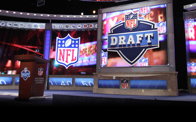 nfl24-7:  Networks agree not to tip picks during 2013 NFL Draft   http://www.nfl.com/news/story/0ap1000000162244/article/networks-agree-not-to-tip-picks-during-2013-nfl-draft