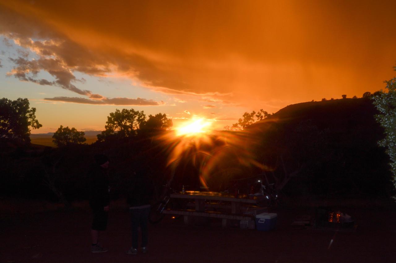 Sunset in the desert at Fruita, CO. #photoapp #f http://ift.tt/1uy046j