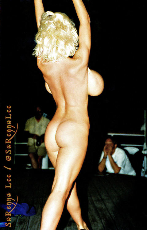 SaRenna Lee is a Follow Friday dream cum true!  #FF @SaRennaLee #followfriday #vixpix