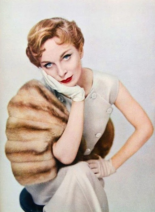 theniftyfifties:  Fashion for Harper's Bazaar, June 1954.