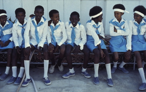 iluvsouthernafrica:  Sunday Shout-out: Somalia (1978) Somali school children  Photo by Mihály Moldvay  national colors, just beautiful <3