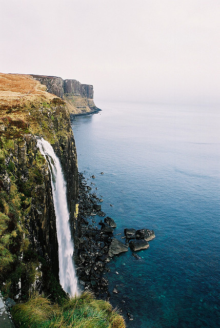 left-nut:  1 Kilt Rock Waterfall, Isle of Skye by Dr Hao on Flickr.