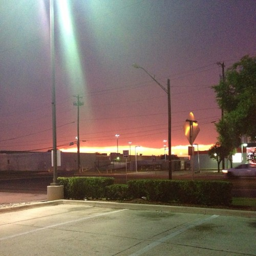 jeanstylepfft:  Storm season. #texas #nofilter  (at Burger King)