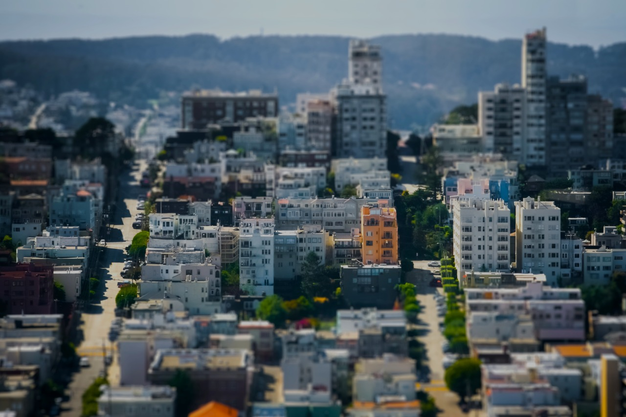 shooting in tilt shift is so much fun. makes the world look like a fun little toy.