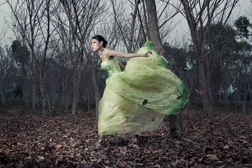 Gone With The Wind (by Sheena Son)thanks my photographer AjaxLee,  plz give him a Like: http://500px.com/ajaxlee   love you guys.