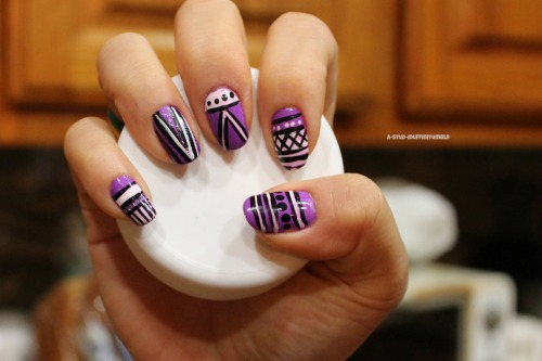 inkredibility:  aztec nails >