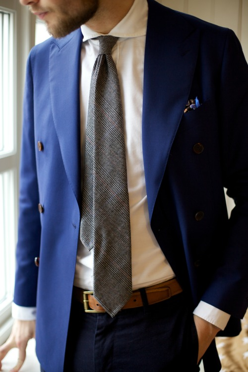 takeitofftherack:  Blue Monday. Suitsupply Soho jacket, Berg & Berg tie and ps, Mulberry belt and Suitsupply shirt.