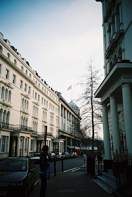 restaurer:  london by risaikeda on Flickr.