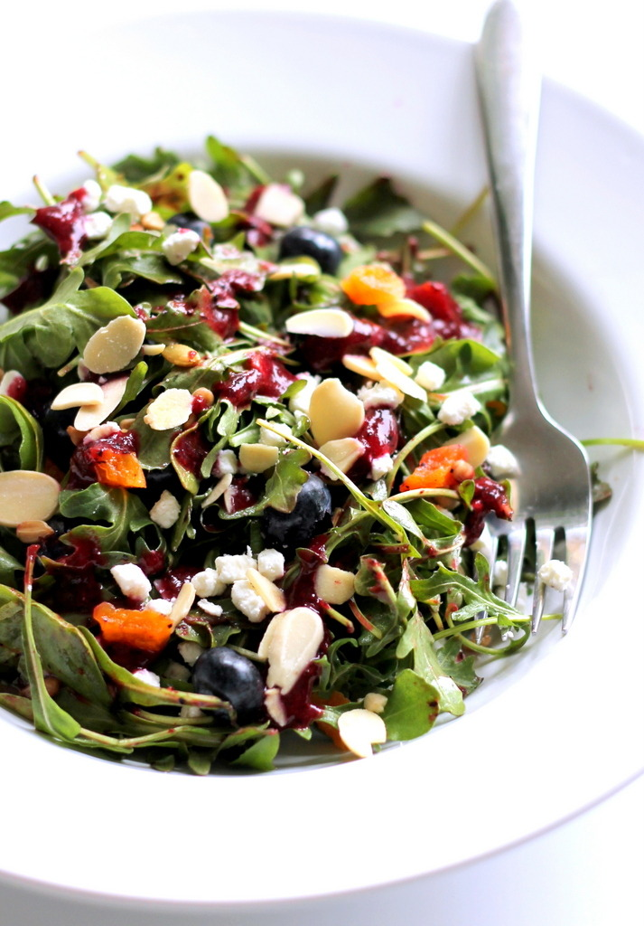 yummyinmytumbly:  Superfruit & Nut Arugula Salad with Goat Cheese + Blueberry Balsamic Vinaigrette