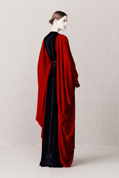 herecomesthesky:  Alexander McQueen Pre-Fall 2013  Valerian wouldn't wear red, even if she could. But otherwise, this could very well be her.