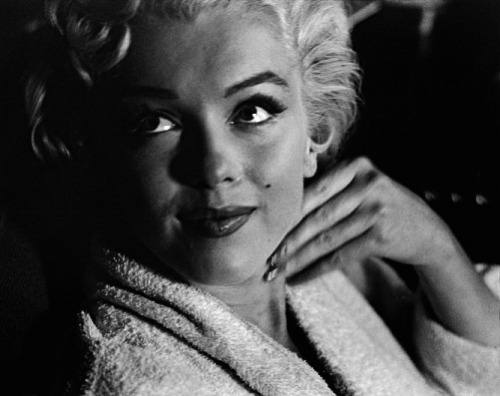 Marilyn by Elliott Erwitt in September 1954 behind the scenes of The Seven Year Itch.