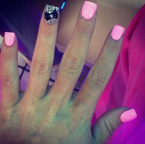 leeetsssparty:  And these will be my prom nails :)