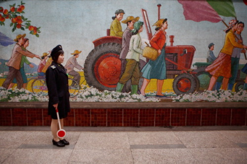 A police woman stands in Puhung Subway station situated more than 100M below the surface, it is also an atomic shelter, on April 2, 2011 in Pyongyang, North Korea. (Photo by Feng Li/Getty Images)