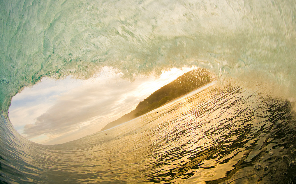 7sunriseoversea:  Photo: Zak Noyle