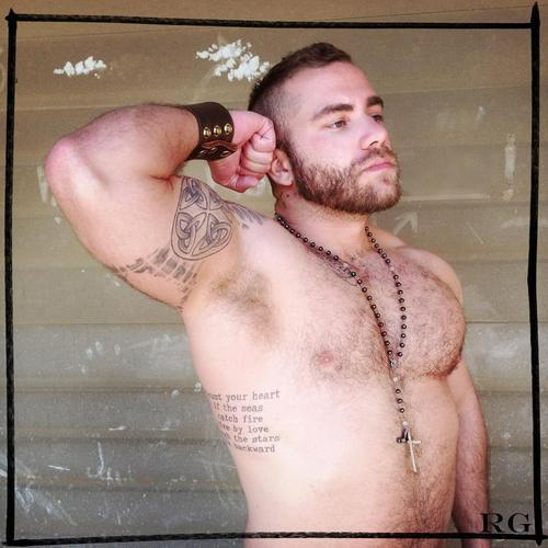 lonelycub:  Muscle cub  Chad W