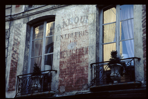 Versailles: old signs by Pete Reed on Flickr.