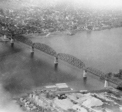 indypendenthistory:  Aerial view of Big Four Bridge, Louisville, Kentucky - Jeffersonville, Indiana, 1929