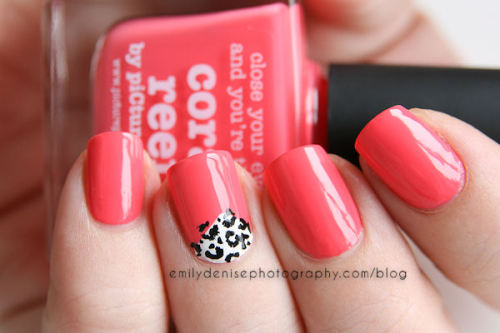 piCture pOlish Coral Reef and a mini nail art mani. Head over to my blog for all the details!