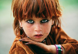 ahoyimsailing submitted: Afghan girl by Reza Deghati (National Geographic)