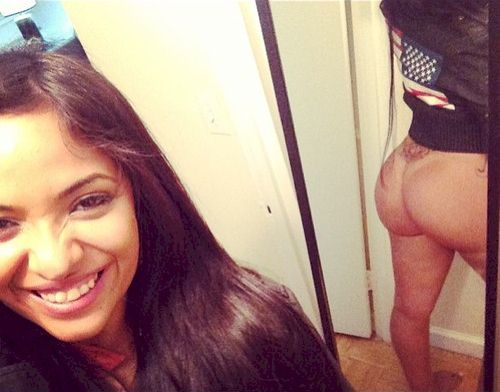 satanwantsmysoul:  Instagram shot of Stephanie Santiago showing off her bare booty!! Amazing.. give us more!