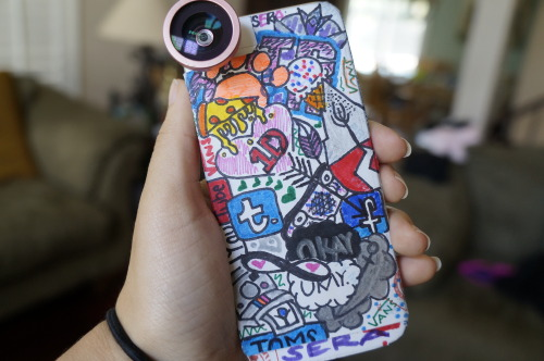 gravtity:  my friend made my case & he sells them, yay c: