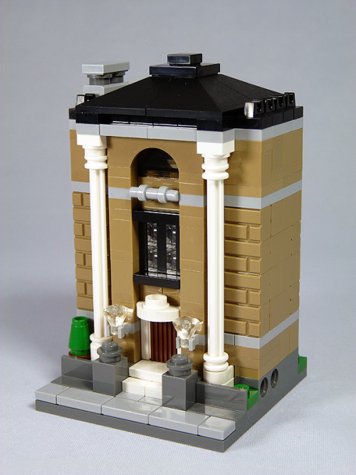 "LEGO Mini Modulars MOC: ""Public Library"" (by moctown)"