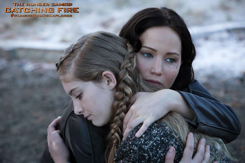 T-minus two days until Catching Fire's teaser trailer. Eee! In the meantime, here are two new photos from the film.