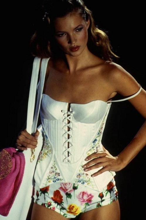 lingeriediva:  Vintage Kate Moss for Versace. Love those floral panties!
