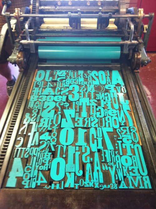 texanunicornmantis:  letter-pressed:  Letterpress//Ashley Barreda  One hell of a lock up   Sexy type!