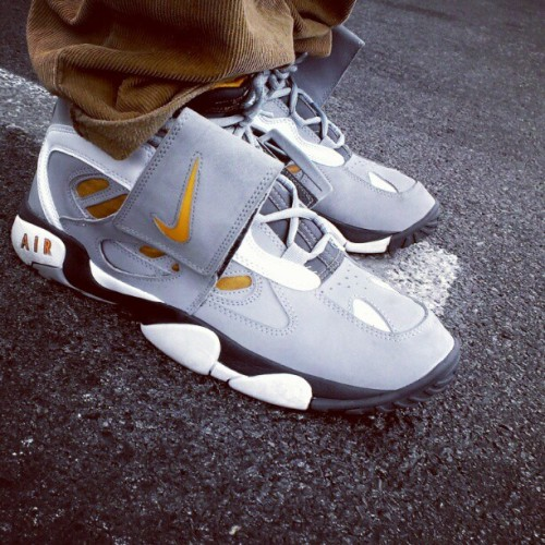 jbeast501:  Dec 30: Back to the Future(after 2010 WDYWT: Nike Diamond Turf II #VSHChallenge #VSH #VegasSneakerHeads #WDYWT #Nike #CrossTraining #DiamondTurf #DT #DTII #DiamondTurf2 #ISS #SOLE #SoleCollector #NikeTalk #Kicks #Sneakers #SneakerHead #Kickstagram #IGSneakerCommunity #WalkLikeUs #ShoePorn #Retro