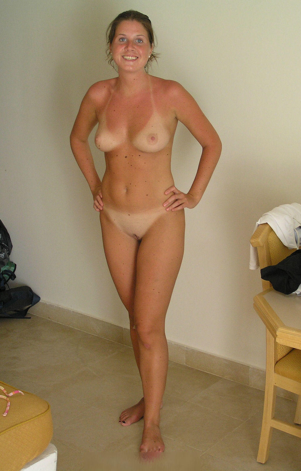 womennextdoor:  For more visit: womennextdoor   Submit your pics HERE!