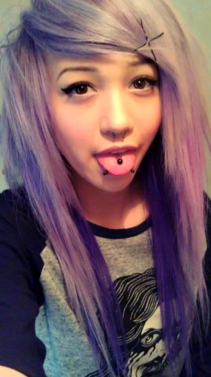 nyappyboon:  Got a new hair colour :'3
