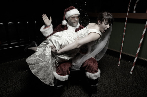 "fuckyeahjohnroderick:  Indie Rock Santa John Roderick Holiday Party Photo Booth  Part of the ""Three Imaginary Girls"" Imaginary Holiday Party 2012 Photo by John E. Hollingsworth Christmas can't come soon enough. Santa, however…  John helps a LOT of people."