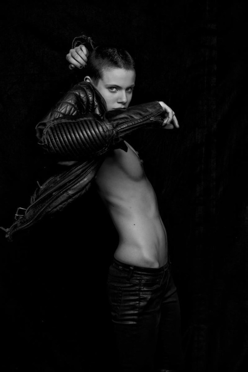 er59:  er59: Ehren Dorsey by Attilio D'agostino for Riven Magazine