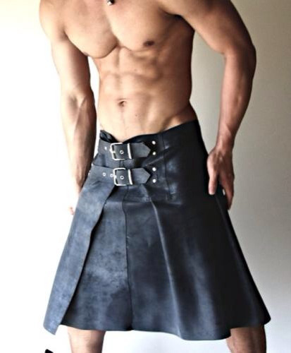 girlofchaos:  kiltedpride:  Lovin this Kilt by shengen69 on Flickr.  Fuck. Yes.