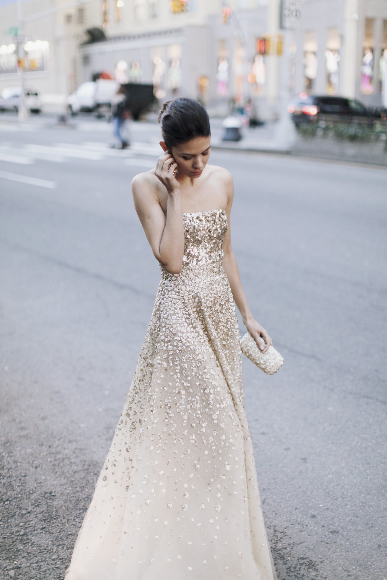 jamesnord:  Golden Gown by Oscar de la Renta