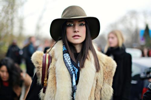 Jacquelyn Jablonski Model off duty off duty model street style street style paris chanel top model model pretty fashion jablonski themodelsstreetstyle