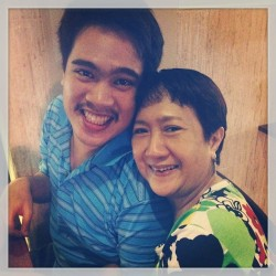 Manong EJ and mama <3 Took this last night. Just look at those smiles ^ ^ #Family #pamilya #mybrother #mymama #personal #irl #renka002 #thoughtfulwonderings