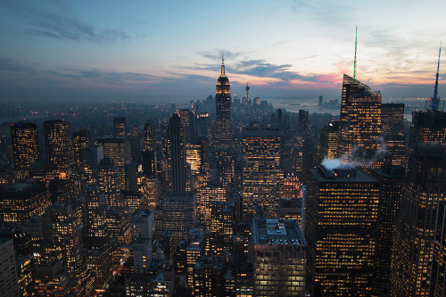 thenakedbrowneye:  Empire State Of Mind (by Rob Chiu)