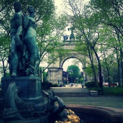 """Bailey Fountain""  #ArcdeTriomphe #GrandArmyPlaza #Spring #Springtime #Brooklyn #abrooklynsoul #brooklynpoets #igersofbk #made_in_ny #NYC #NewYork #NewYorkCity #ProspectHeights #ProspectPark #Trees #UrbanLandscape #UrbanDwellings #explore_brooklyn #explore_community #explore_nyc #Fountain #Statue  (at Bailey Fountain (Grand Army Plaza Fountain))"