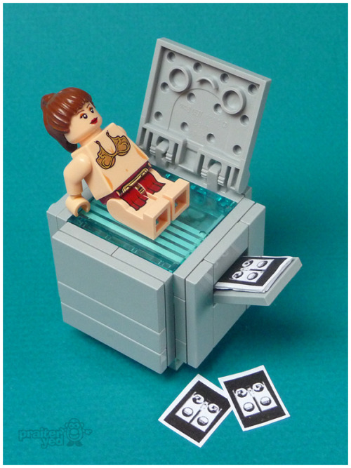 rawbdz:  The selection of 100 funniest and best made custom LEGO minifigures. Via TheMAG.it