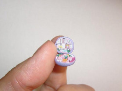 a-mini-a-day:  MICRO POLLY POCKET