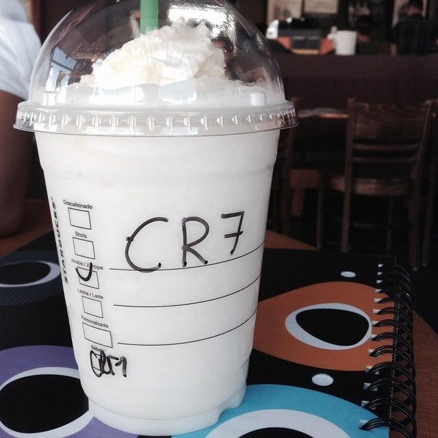 CR7☕️⚽️💕 #carlos #ruiz #7 #cr7 #starbucks @cristiano