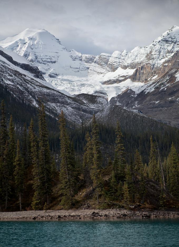 Maligne Lake, Jasper National Park, Alberta, Canada | image by softclay