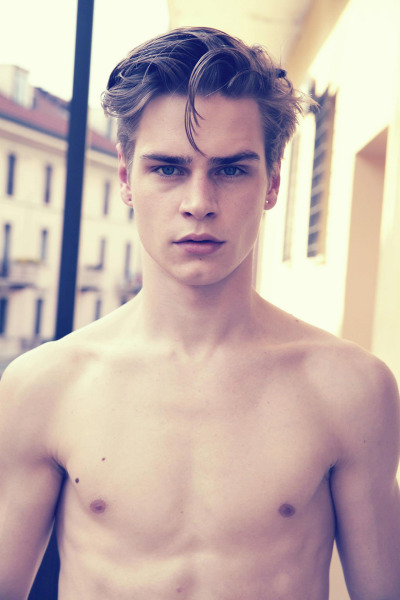 strangeforeignbeauty:  Ralf Javoiss [ fave models | 1000+ notes | facebook | twitter | google+ ]